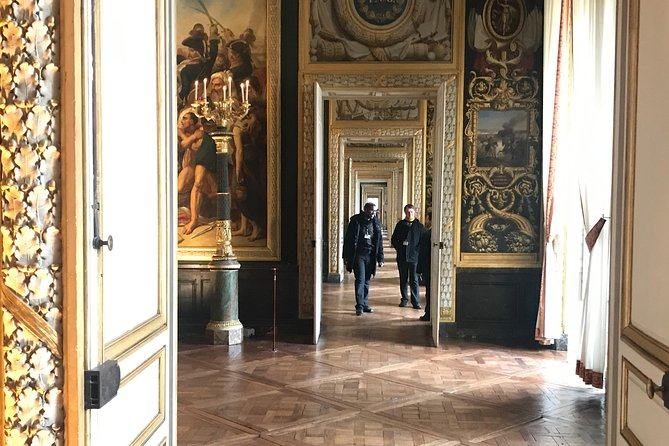 Versailles Palace Skip the Line Audio Guided Tour with Gardens Access from Paris