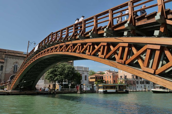 Venice Grand Canal guided boat tour photo 2