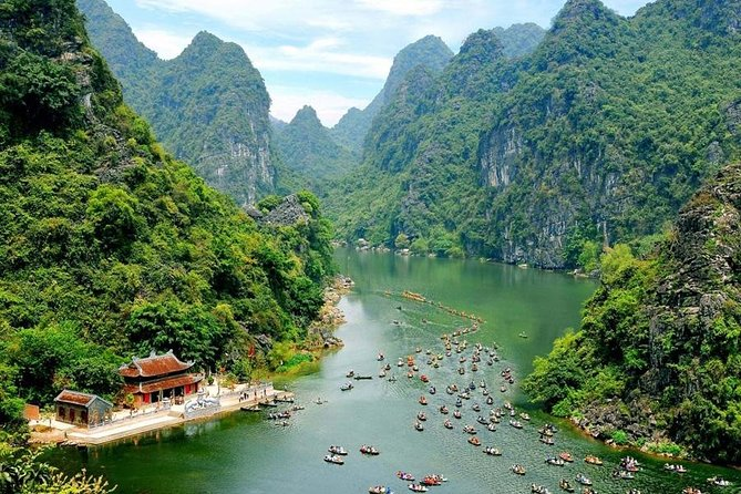 Bai Dinh Temple and Trang An Grottos Private Tour from Hanoi