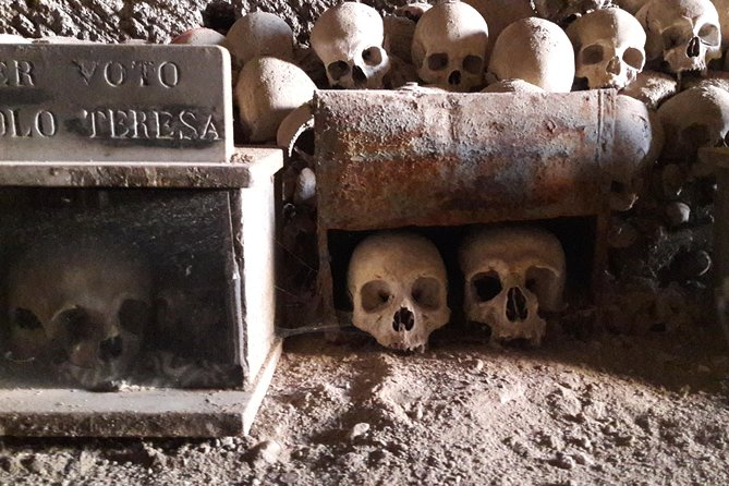 Private Guided Tour of Naples Catacombs Fontanelle Cemetery & Sanità Quarter