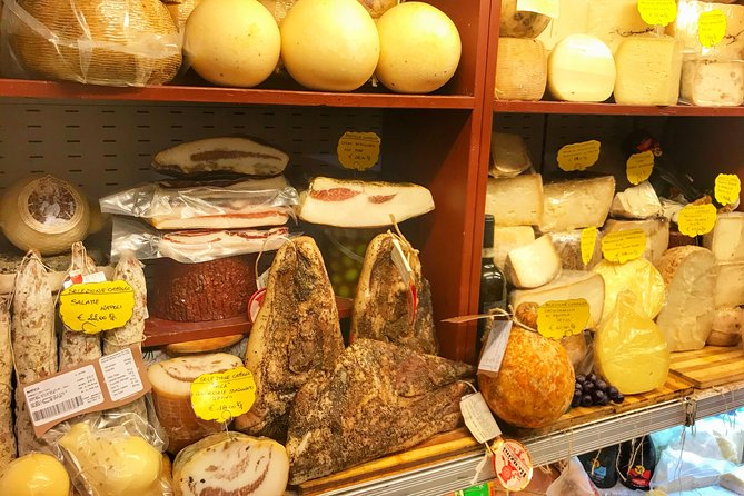 Tasty Ancient Naples & San Gregorio Armeno Food, Wine and Sightseeing Tour photo 6