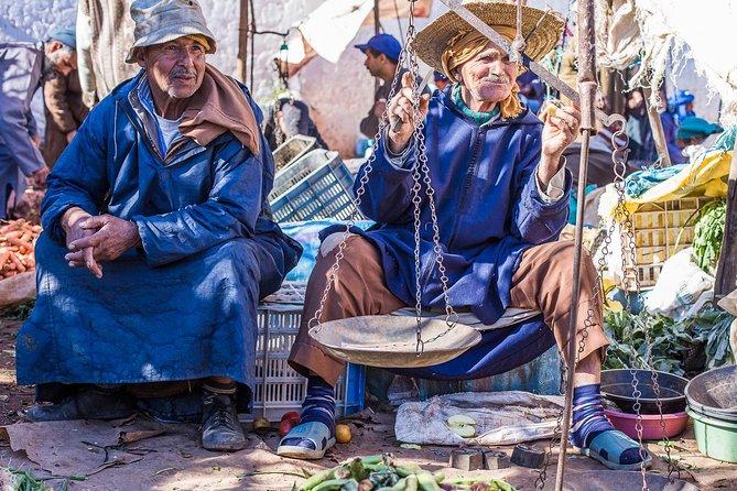 The Sunday Market in Had Draa & Local Food Tasting.