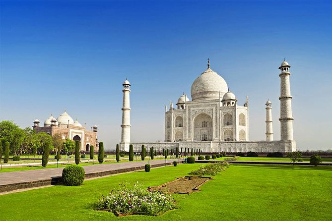 Private One Day Tour of Taj Mahal, Agra Fort & Fatehpur Sikri from New Delhi