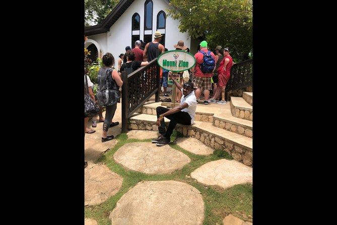 Excursión privada y personalizada al mausoleo de nueve millas Bob Marley desde Montego Bay