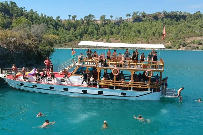 Excursion to Green Lake by Cabrio Bus - 1 Hour Boat Trip Included