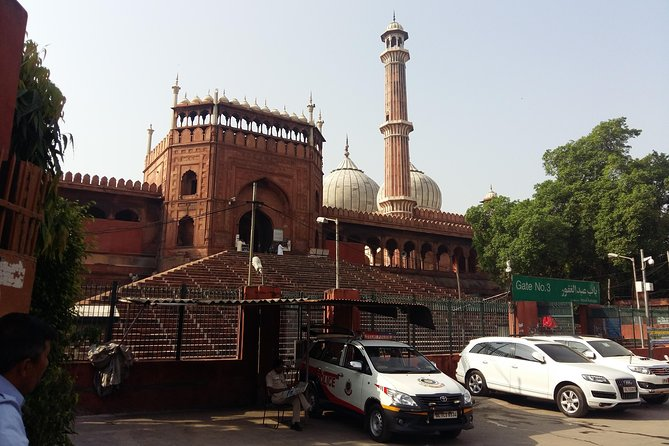 Old Delhi Heritage Tour with Cycle Rickshaw Ride included spice market