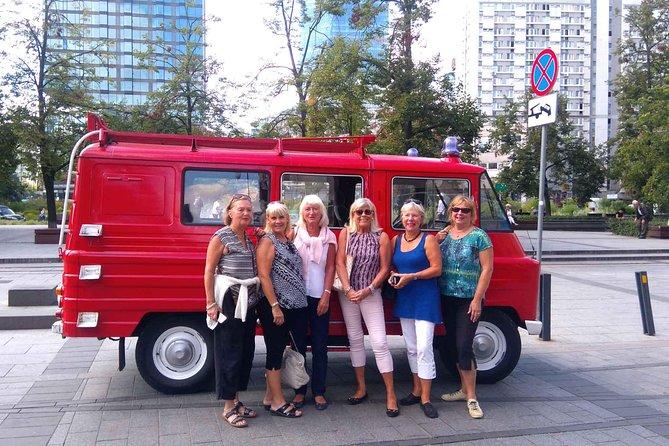 Mini Food and History - Warsaw private tour by retro minibus