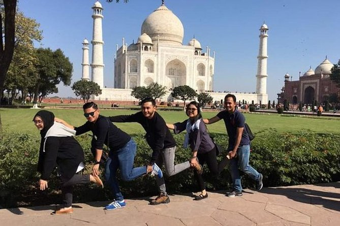 Taj Mahal & Agra Fort From Delhi By Car- Chauffeur, Guide, Lunch in 5 Star.