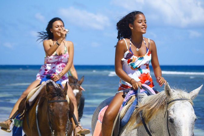 Braco Stables Horseback Ride and Swim Excursion from Runaway Bay