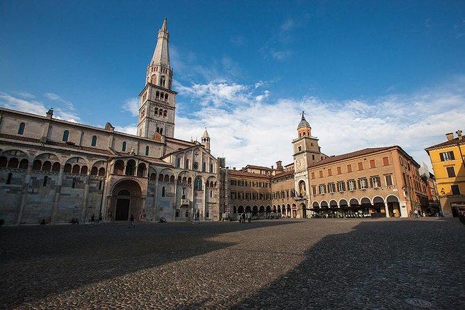 Modena Walking Tour: traditionella produkter och gamla affärer