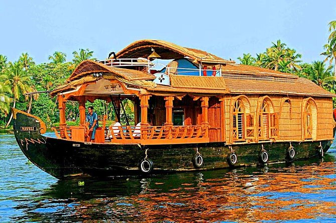 house boat cruise in backwater in Alappuzha