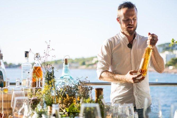 Hierbas Workshop: Faça o licor mais famoso de Ibiza