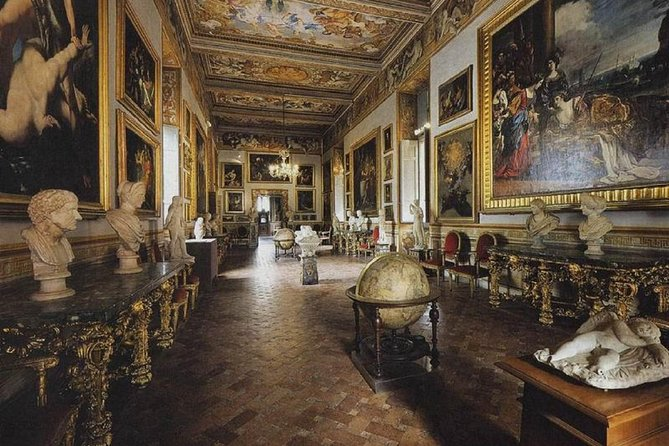 Small Group Tour - Skip the line: Masters and Misteries in Rome