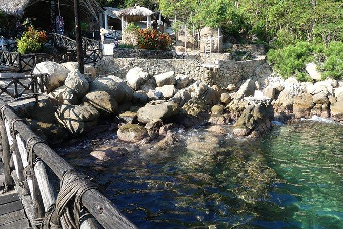 La Roqueta Island Hiking, Lunch & Drinks