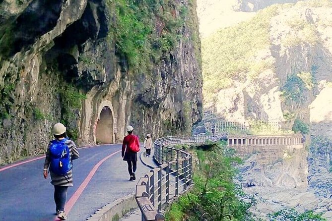 Full-Day Taroko Gorge Group Tour by Air