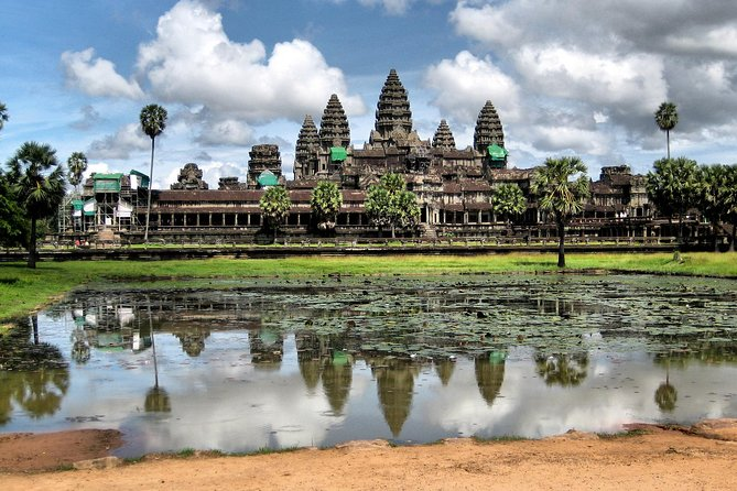 1-Day Angor Wat Small Circuit Tour with Sunset photo 1