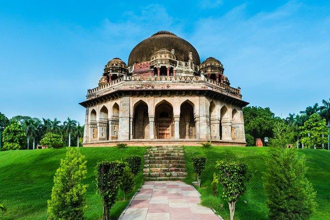 Mughal Heritage Tour Including Lodhi Garden, Humayun Tomb and Akshardham Temple