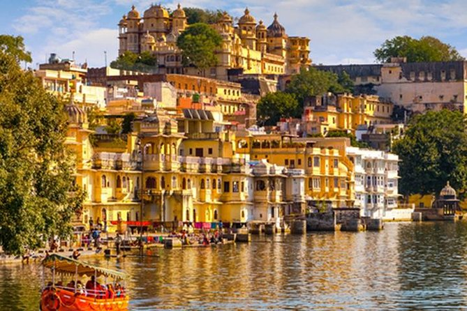 Golden Triangle Tour with Khajuraho and Varanasi (5 Star Hotel)