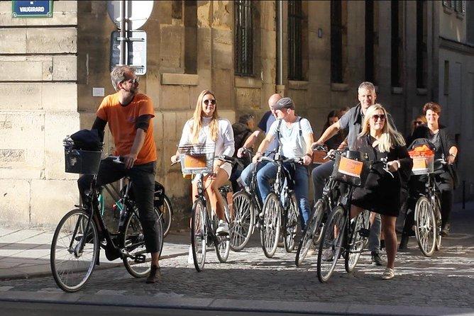 Secret Paris Tour on a dutch bike