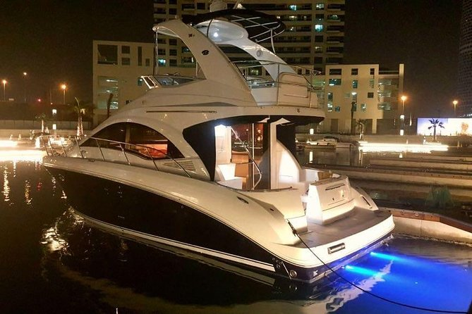 Private Yacht: Cruising along Dubai Marina, Atlantis and Burj Al Arab