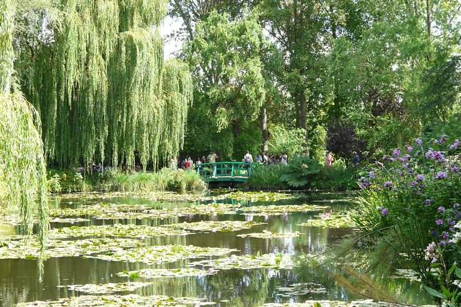 Giverny Monet's House & Gardens Self Guided Tour with Transport from Paris
