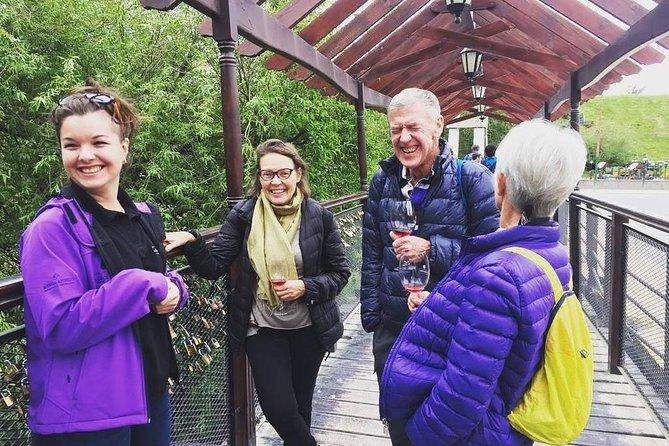 Calafate Wine Tour - City Tour Peatonal maridado con vinos