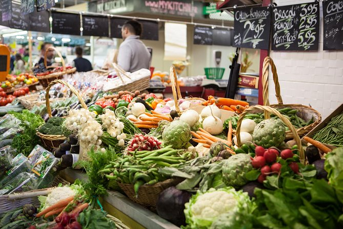 Private Market Tour and Classic French Cooking Class in Paris