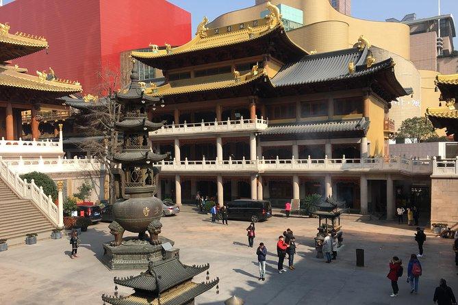 Six-day package tour of Shanghai, Tongli, Suzhou, Hangzhou, and Mount Huangshan