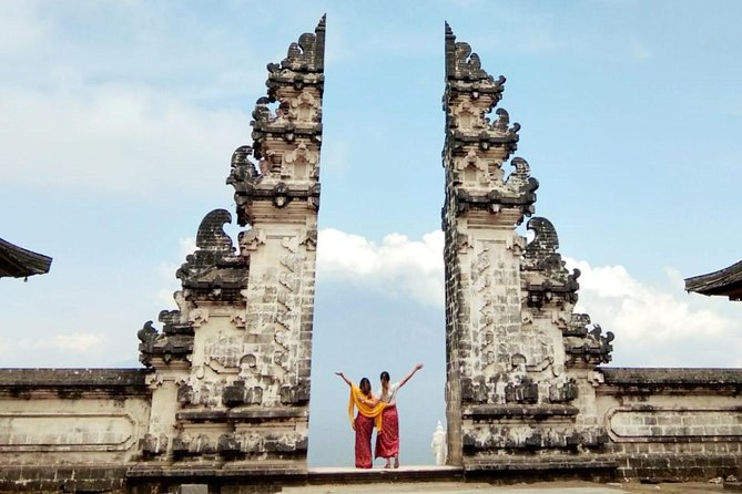 Bali Iconic - Waterfall, Swing & Temple Private Tours