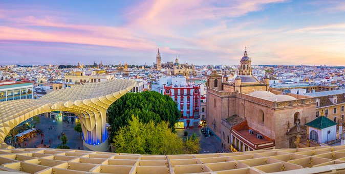 Monumental Economic tour with booking fee Seville