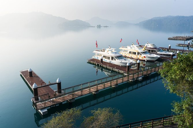 Sun Moon Lake Leisurely Day Tour from Taichung