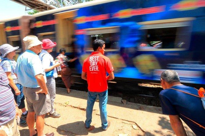Yangon av cirkulärtåg: Livet längs loppet