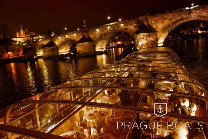 Prag 3-stündige Bootsfahrt mit Abendessen
