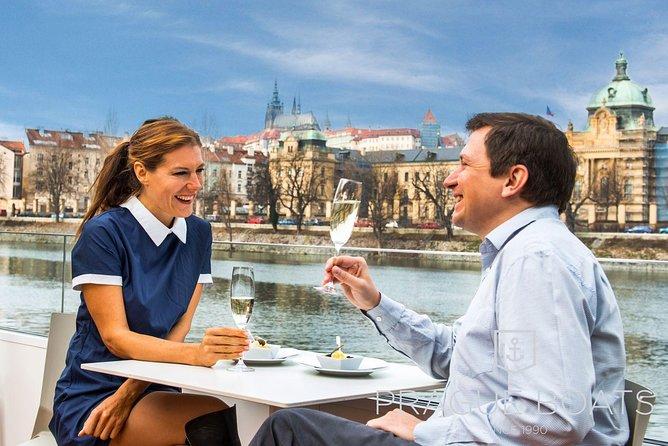 Prague Boats Prosecco cruise
