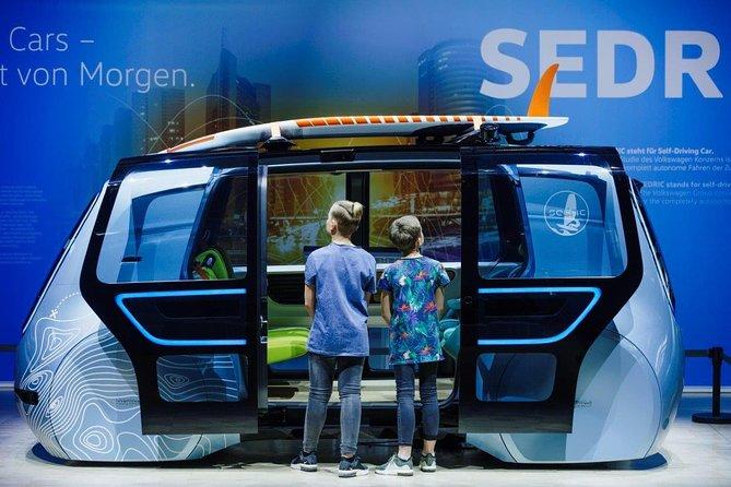 Guided tour at Volkswagens Transparent Factory - die Gläserne Manufaktur