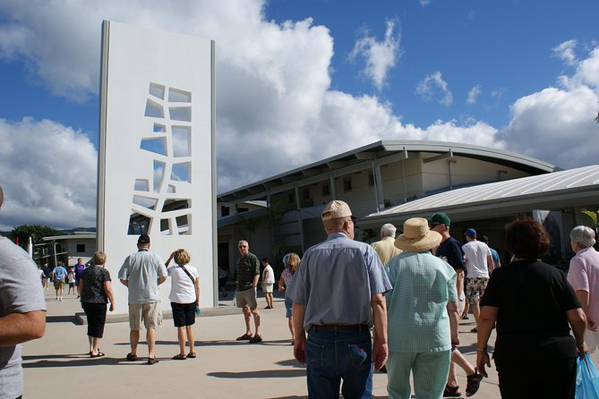 USS Arizona Memorial Narrated Tour and Pearl Harbor Virtual Reality Center photo 4