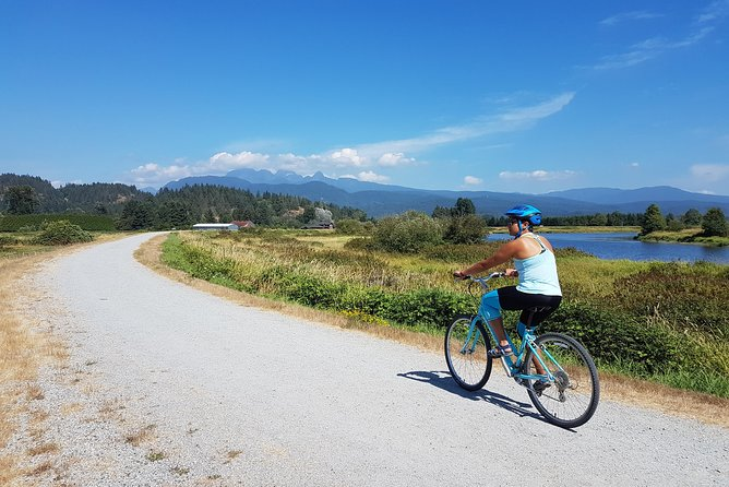 Vancouver Biking and Hiking Tour including Lunch photo 2
