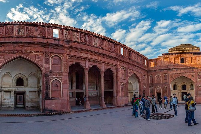 1-Day Trip from New Delhi to Agra and Taj Mahal with Agra Fort