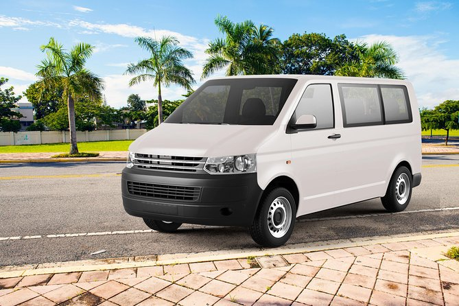 Cancun Private Mini-Van Roundtrip Transportation