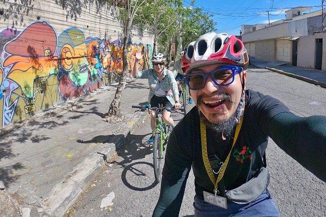 Explore Urban Quito on a Bike (1 Person PRIVATE)