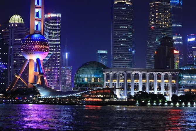 Evening Thai Dinner and Huangpu River Cruise in Shanghai