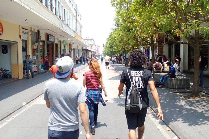 Sunday Monuments & Market Pop Up Tour (Guatemala City)