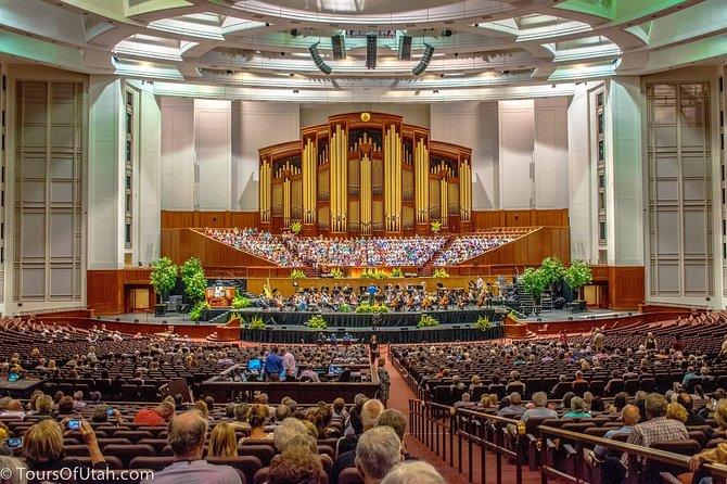 Thursday night Tabernacle Choir rehearsal in 21,000 seat auditorium
