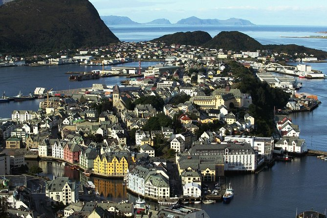 Private Transfer To and From Airport in Ålesund