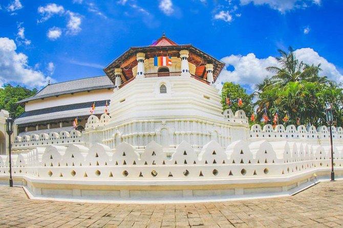 SLDT02-1 - Sri Lanka Day tour to Kandy from Colombo