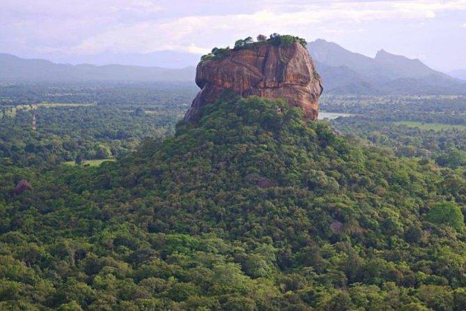 SLDT03 - Sri Lanka Day Trip - Dambulla Temple & Sigiriya Fortress From Kandy
