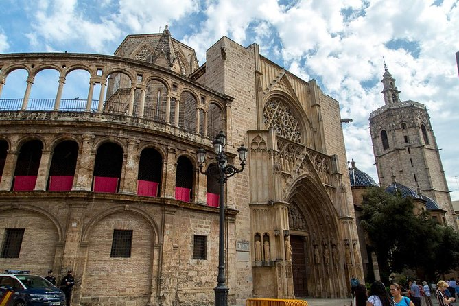 Valencia Highlights 7-15 PAX Half-Day Private Tour
