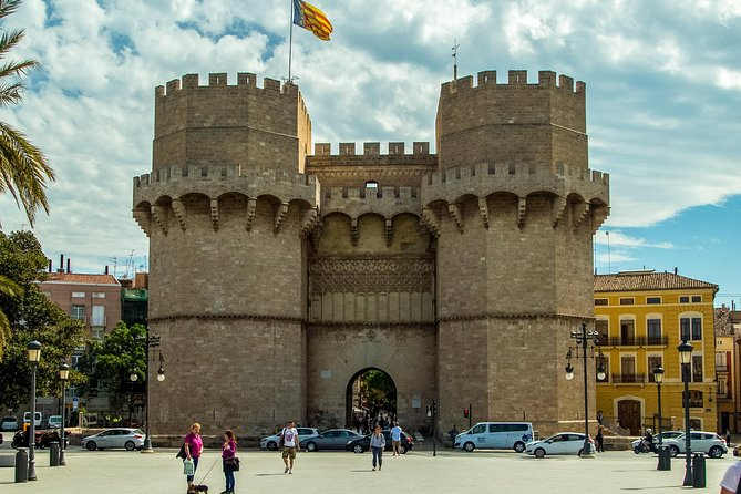 Valencia Highlights 4-6 PAX Half-Day Private Tour