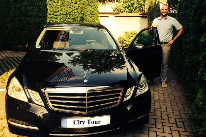 Budapest: Private Airport Transfer
