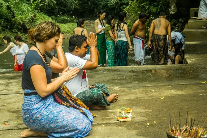 Holy Water Purification Tours with Locals